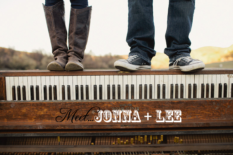 Jonna + Lee: Rustic and Romantic Engagement Photography
