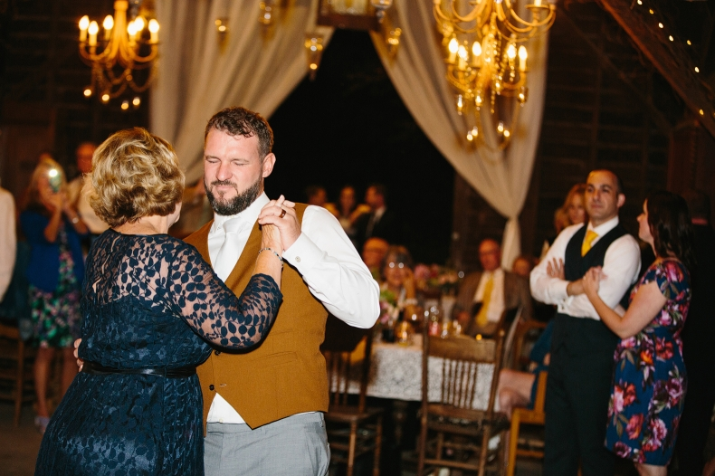 The groom also had a special dance with his mom.