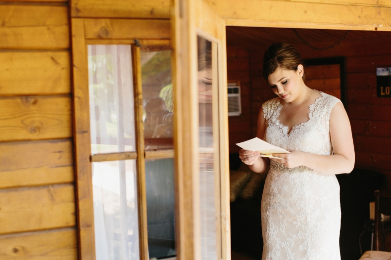 The bride reading a letter.